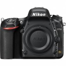 Камера Nikon D750
